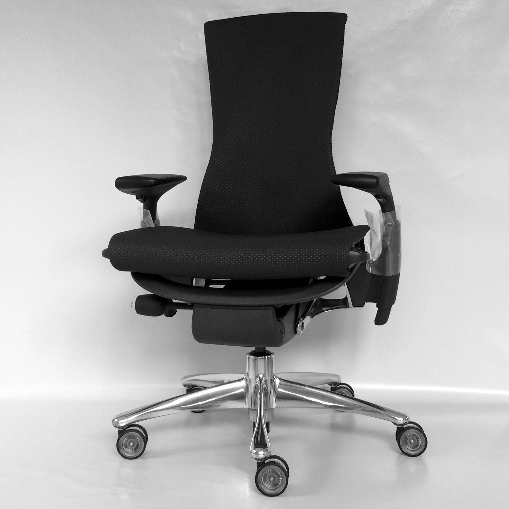 EMBODY_CHAIR_CARBON BALANCE 01