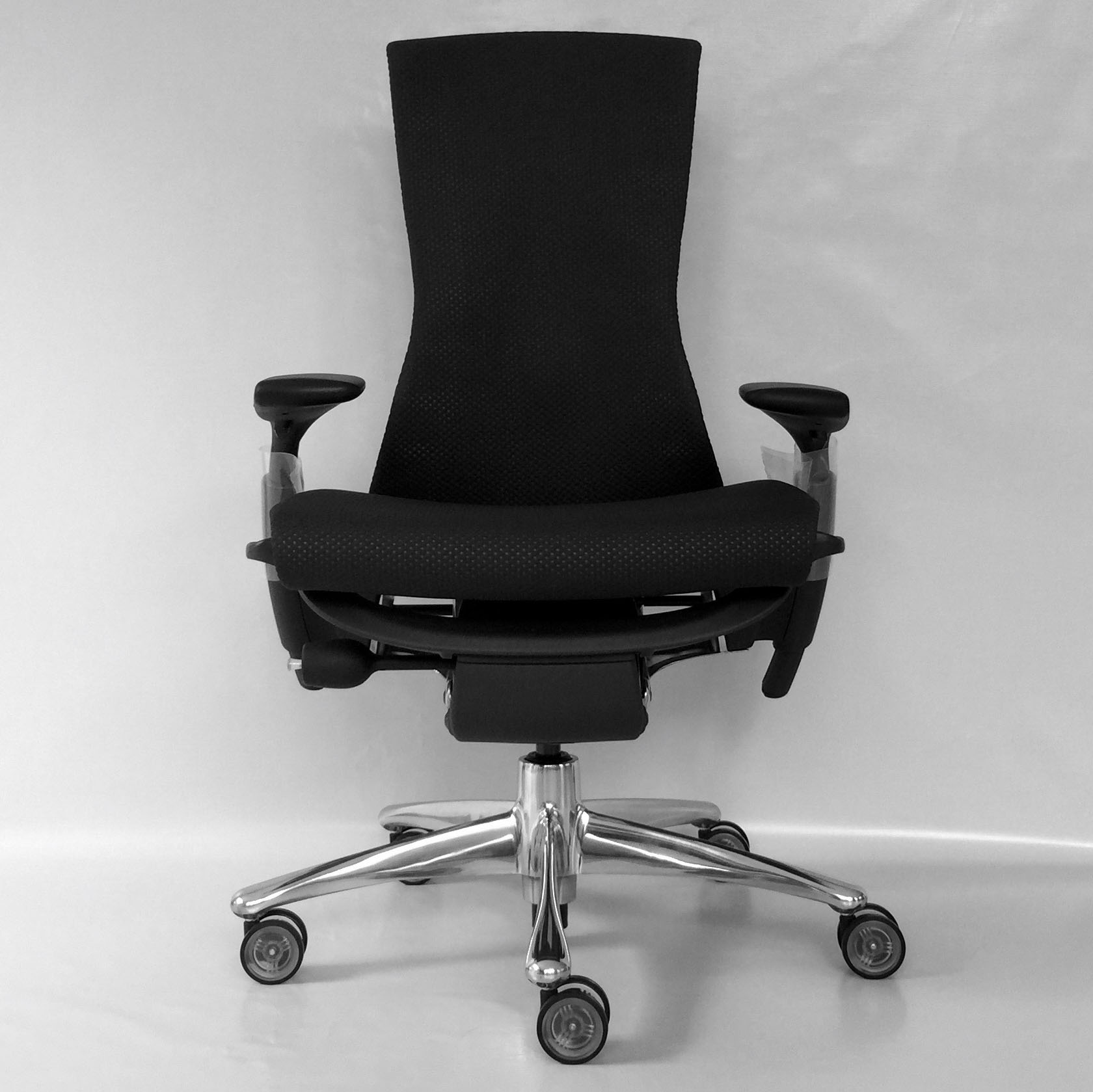 EMBODY_CHAIR_CARBON BALANCE 02